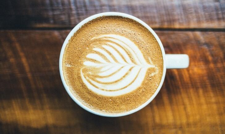 大手コーヒーチェーン3店のカフェラテ