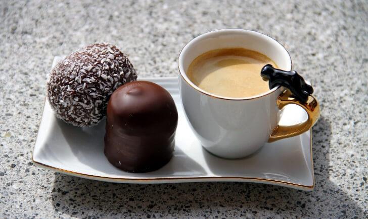 コーヒーとチョコレートが合う理由は?