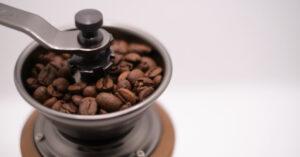 コーヒーミル(グラインダー)おすすめTOP20!初心者でもアウトドアでも使える手動・電動タイプ別ランキング